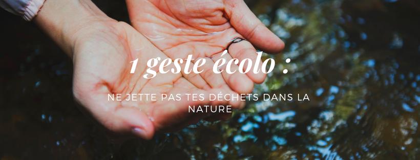 """Mains dans l'eau avec écrit sur l'image """"1 geste écolo"""""""